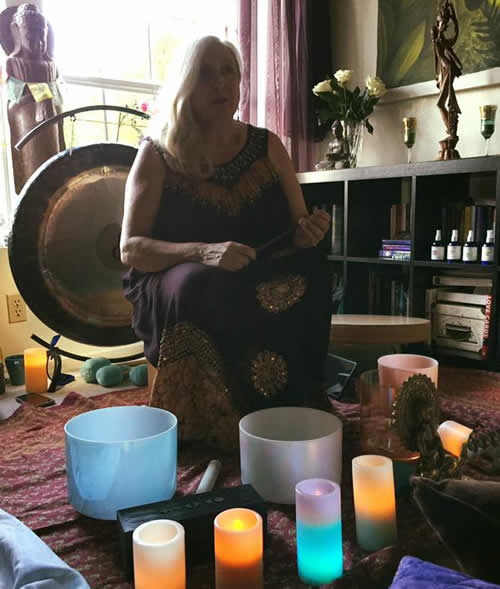 Arjan Lin with Chiron gong and Gemstone Crystal singing bowls - gongAvatar.com